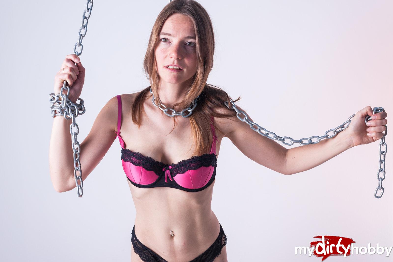 Brutal amateur foot fisting porn with KarinaHH 2021 Elite Porn