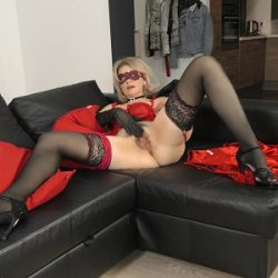 Diana V - Mature Pleasure